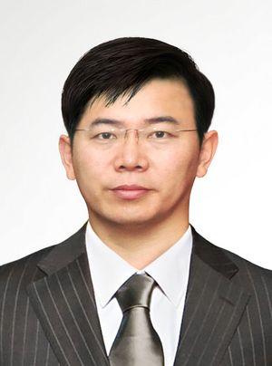 高占巍,医学博士,博士后,副主任医师,杭州华山医疗美容医院客座教授