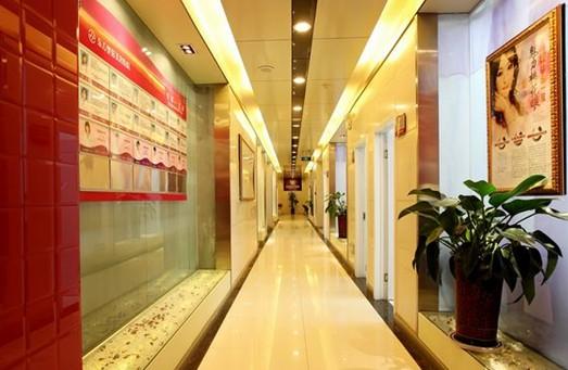 郑州东方整形医院走廊 郑州东方整形美容医院