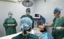 中山南美华整形万级层流手术室一角