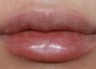 更加精致的女性嘴唇