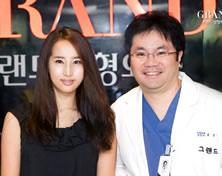 演员Choi Eun与高兰得整形外科柳相旭院长合影