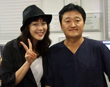 演员李荷娜来访韩国UcanB整形医院