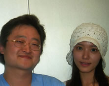 演员郑诗雅来访韩国UcanB整形医院