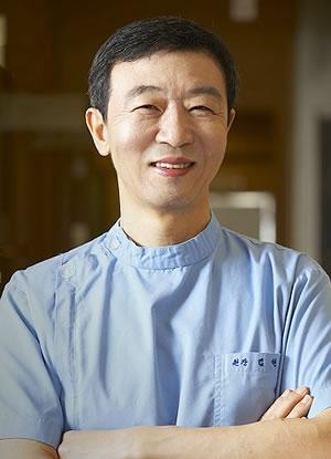金炫澈 韩国ck整形外科医院整形专家