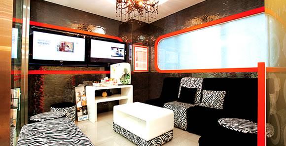 家居 起居室 设计 装修 580_296