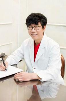 韩国青春整形外科医院院长 姜书神
