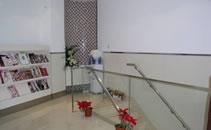 上海杨红华医疗美容诊所楼梯拐角处
