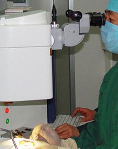 显微镜微创手术