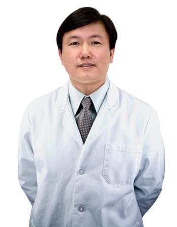 8月30日中国注射美容第一针方跃明亲诊二炮总医院整形