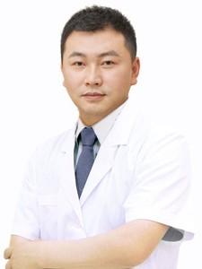 龙维 武汉中爱整形医院中心主任