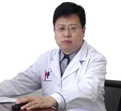 李立仲主任北京武警三院艺术微雕专家
