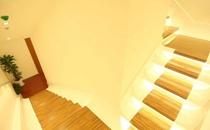 北京泽尔丽格美容诊所楼梯转角