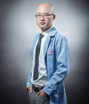 许川 烟台华怡美外科医生