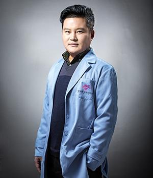 尹潘 华怡整形医院植发专家