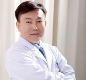赵小忠 重庆星范丽格医学美容医院主任