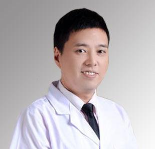 杨志宏 皮肤美容科主任
