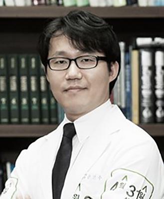宋镇宇 韩国4月31日整形外科医院院长