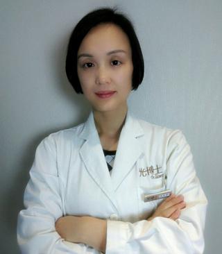 易东菊皮肤科医生