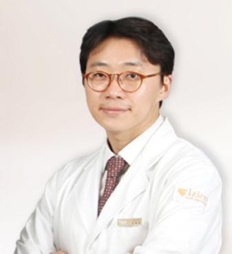 韩国一见整形外科 金东奎院长