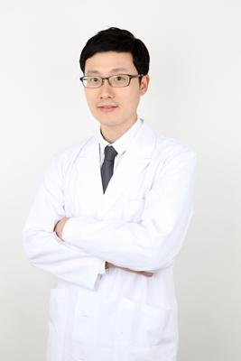 李在准 韩国FACE-LINE整形外科专家