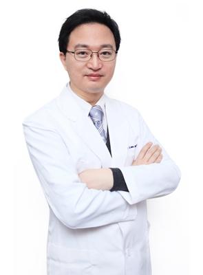 李铜埈 韩国FACE-LINE整形外科专家
