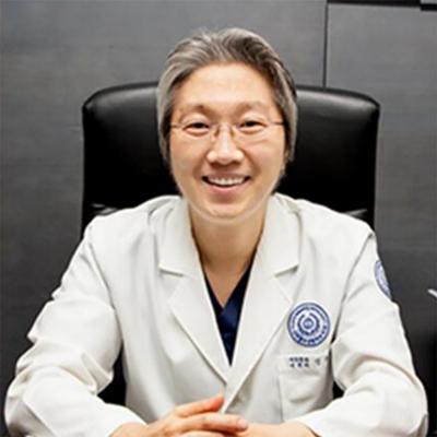 郑钟必 韩国新帝瑞娜整形医院整形专家