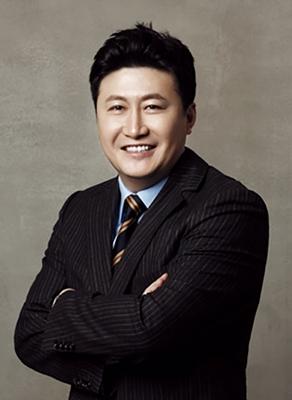 崔濬 韩国媄潾整形医院院长