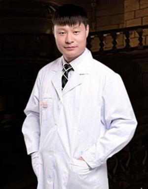 刘星赫 赤峰康华皮肤病医院整形专家
