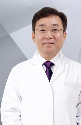 李根稷 新疆整形美容医院特邀专家