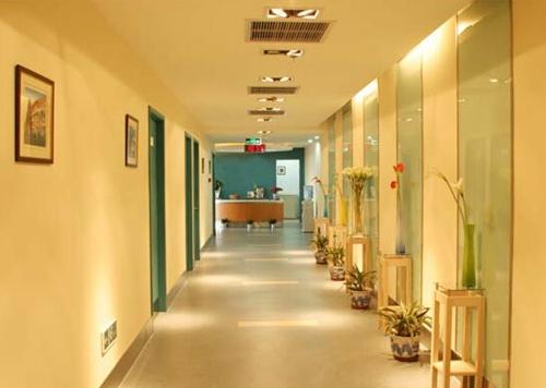 铜陵黄雷整形医院走廊