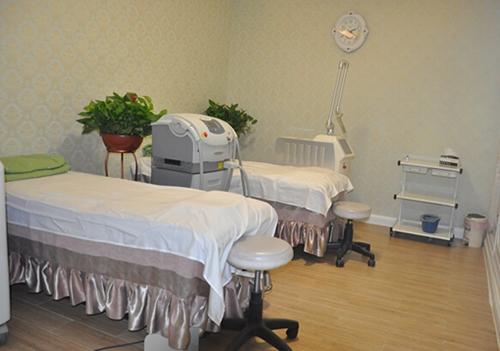 兰州崔大夫医疗美容门诊部激光室