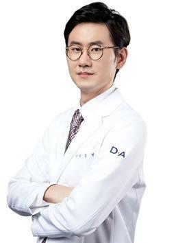 韩国DA整形医院 安承贤院长