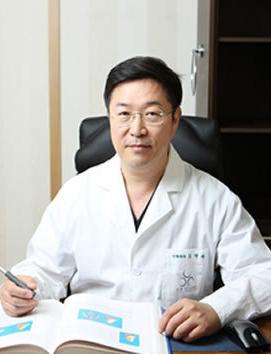 韩国O&YOUNG整形外科 吴荣焕院长