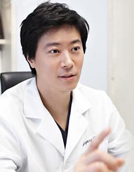 韩国优容整形医院 崔埈溶院长