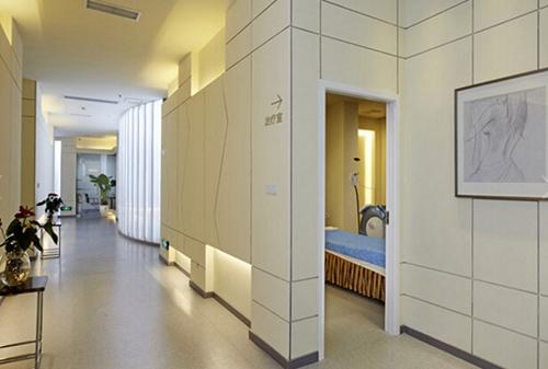 成都素美整形美容门诊部走廊