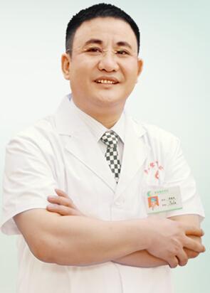 曹新成 曹家整形连锁机构创始人