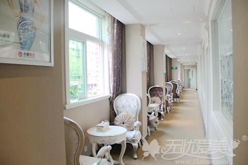 杭州东方整形医院二层走廊