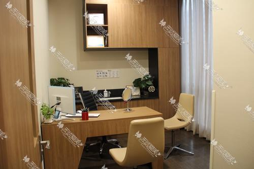 上海玫瑰医疗美容医院三楼咨询室