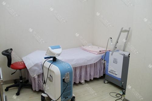 上海仁爱医院激光治疗室