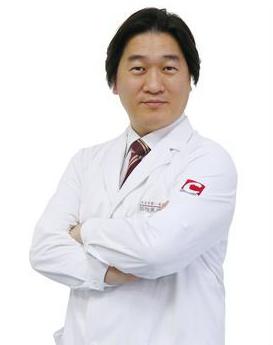 韩国医学博士 河在成