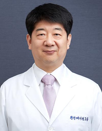 朴成镇 韩国原辰整形外科院长