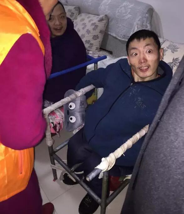 淮北美莱坞携手淮北红十字会慰问残障家庭
