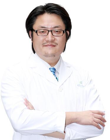 孟晨曦,深圳福华医疗美容美眼、美胸院长