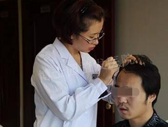在北京博士园植发整形术前设计