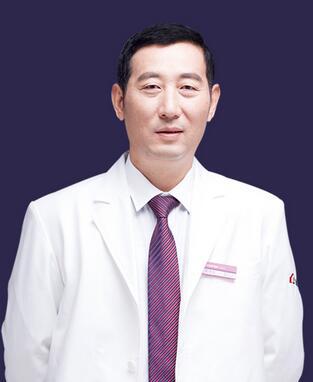 扬州施尔美实力美鼻医生邓泽臣,真正拥有可开展高难度鼻部整形资格!