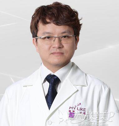 深圳美莱隆鼻专家何炜华