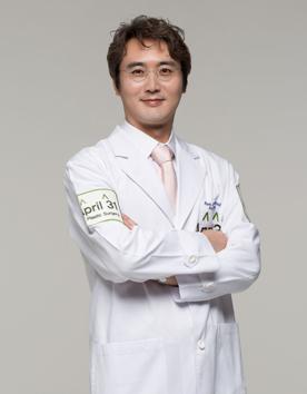 朴晟完 韩国4月31日整形外科专家