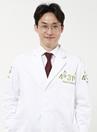 韩国4月31日整形医院专家金龙现