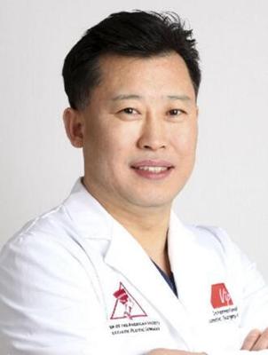 李明柱 广州荔湾医院整形专家