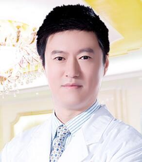 焦俊光,副主任医师  广西南宁美丽焦点院长